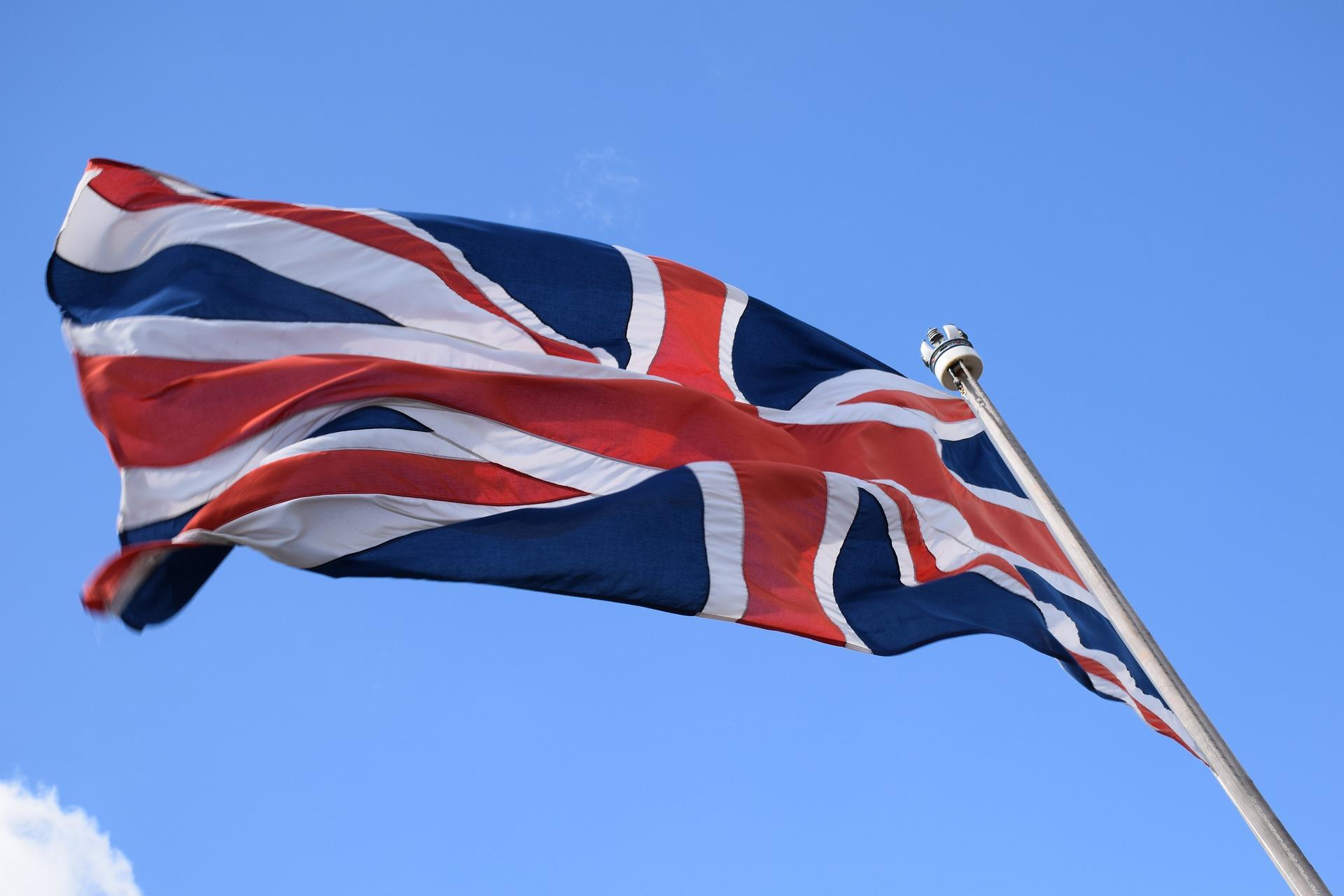 Státní zakázky dostává v Británii 2/3 firem se sídlem v daňovém ráji