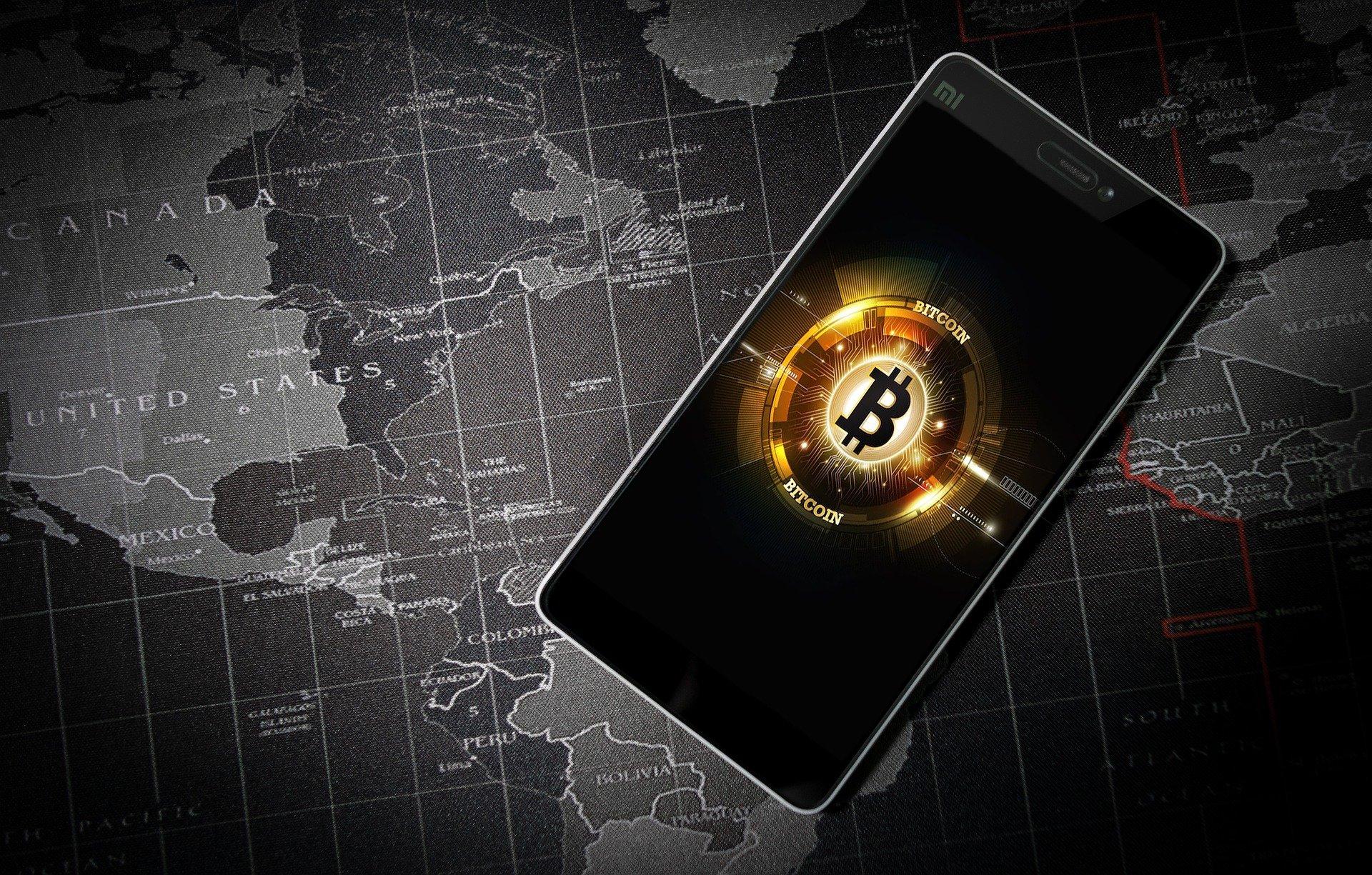 Teploty rostou, bitcoin padá – kryptoměna se krátce podívala pod 30.000 USD
