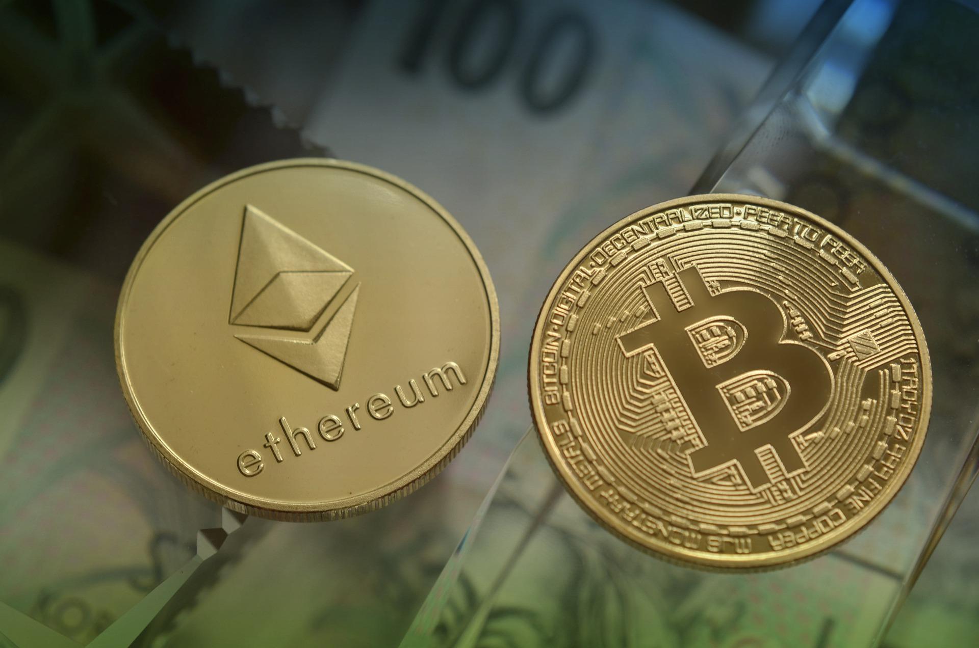 Transakce za hubičku – transakční poplatky bitcoinu a etherea značně klesly